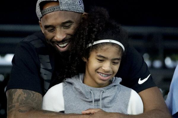 Kobe Bryant zahynul spolu s dcérou.