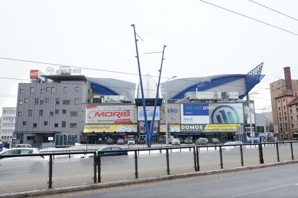 Steel Aréna.