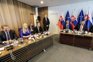 Rokovanie vlády SR, ktoré sa uskutočnilo na pozvanie guvernéra NBS Petra Kažimíra v priestoroch Národnej banky Slovenska.