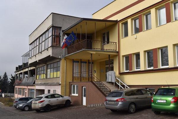 Obecný úrad Nižný Hrušov.