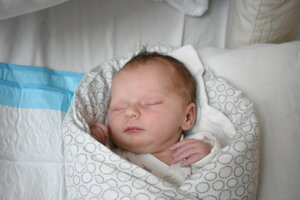 Amelia Lenčešová (3400 g, 51 cm) sa narodila 27. januára Petre a Imrichovi z Partizánskeho.
