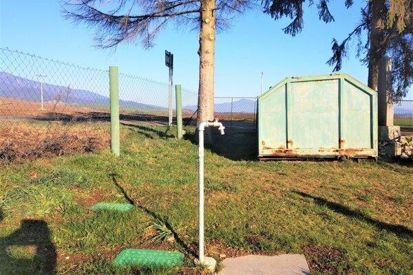 Nový vodovodný systém na cintoríne v Beniciach.