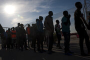 Zástup migrantov v Granade.