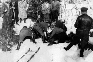 Pri hľadaní tiel pomáhali priatelia, milicionári, dobrovoľníci.