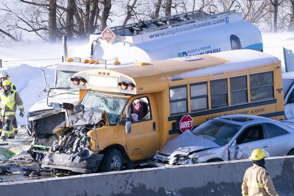 Hromadná nehoda v Kanade.