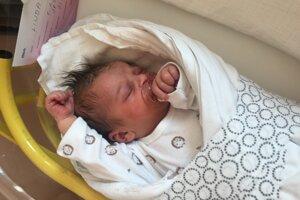 Linda Prnová (3220 g, 50 cm) sa narodila 7. februára Monike a Lukášovi z Novej Dubnice.