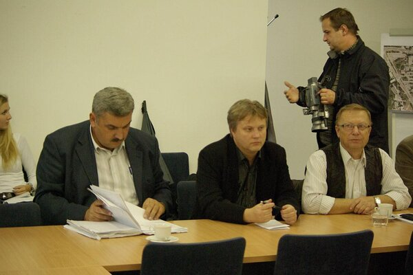 Rokovania komisií v Považskej Bystrici sú verejné už dlhšie. Prítomné bývajú aj médiá.