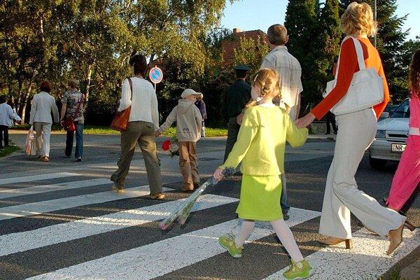 Mnohé deti chodia s rodičmi do školy zväčša len 2. septembra.