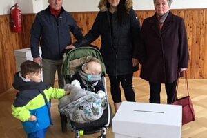 Voliť dnes boli aj tri generácie rodiny Majerčíkovcov z Liptovského Mikuláša