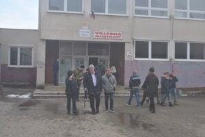 Volebné okrsky boli na Sídlisku Ťahanovce v Základnej škole Bruselská.