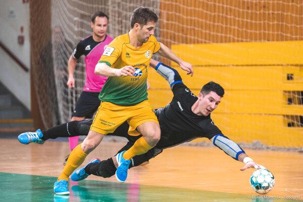 Futsalisti Levíc nastúpia už tentopiatok vštvrťfinále Varta futsal ligy proti tímu ŠK Makroteam Žilina.