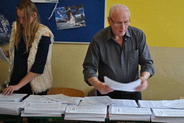 Volebná miestnosť v Nitre.