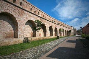 Mesto Trnava a jeho hradby.