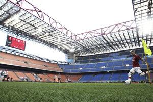 AC Miláno hralo domáci zápas bez divákov.