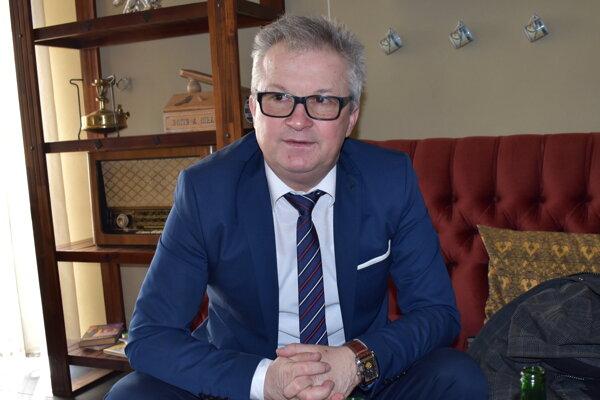 Peter Bochnovič.