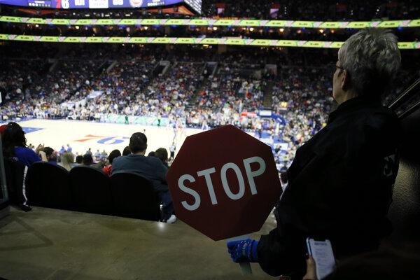 Momentka z posledného zápasu Philadelphia 76ers - Detroit Pistons.