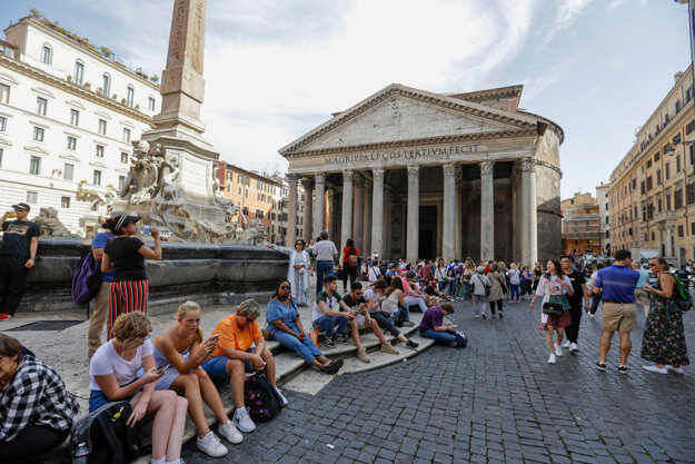 Panteón pred koronavírusom..