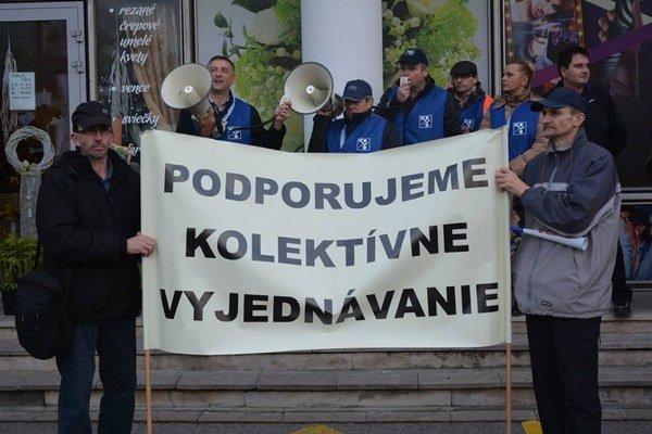 Ostrý štrajk v Trnave reálne hrozí, ak zamestnávateľ a odborári nenájdu spoločnú reč.