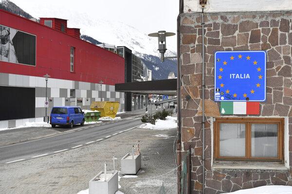 Hraničný prechod do Talianska v alpskej obci Gries am Brenner.