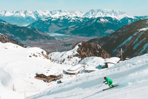 Giraltovčan sa vrátil z lyžovačky v Alpách.