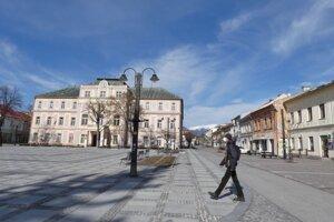 Centrum mesta bolo dnes popoludní vyľudnené.