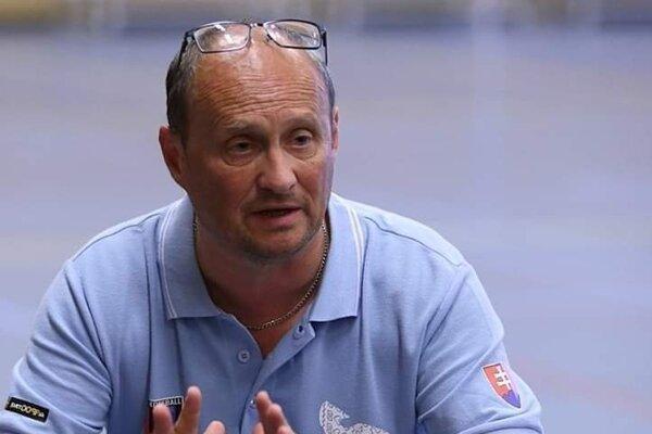 Ľuboš Kotlář priviedol prievidzských korfbalistov k titulu v každej kategórii.