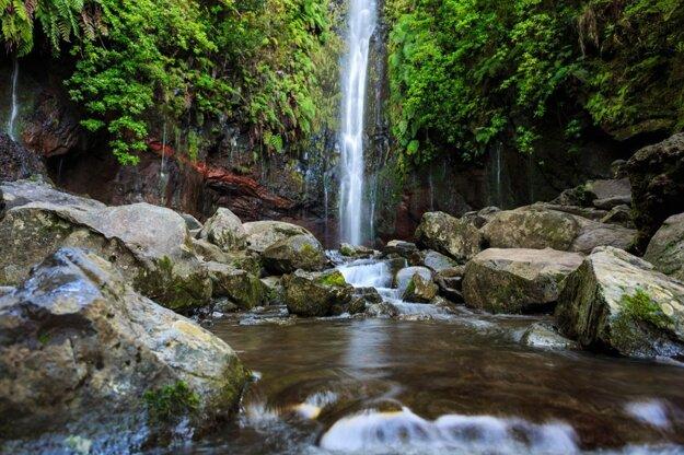 Vodopád na konci Levada das 25 Fontes