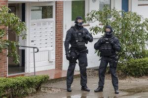 Príslušníci nemeckej polície.