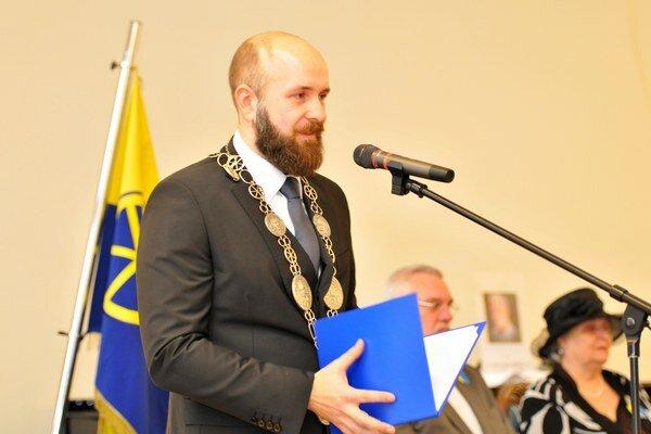 Nad tým, či sa dalo lepšie pripraviť na funkciu primátora, sa Peter Bročka nezamýšľa.