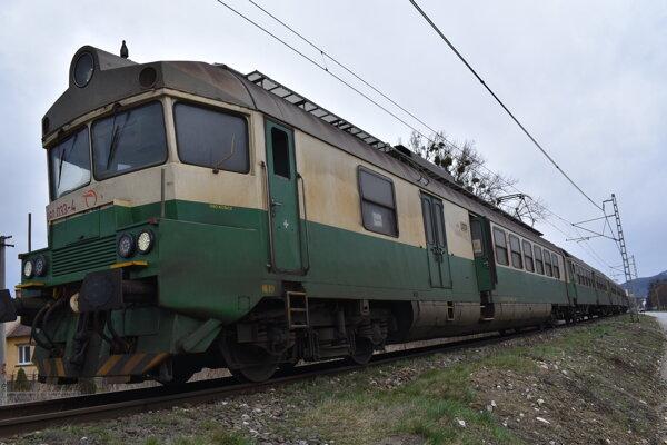 Typický vlak na východnom Slovensku.