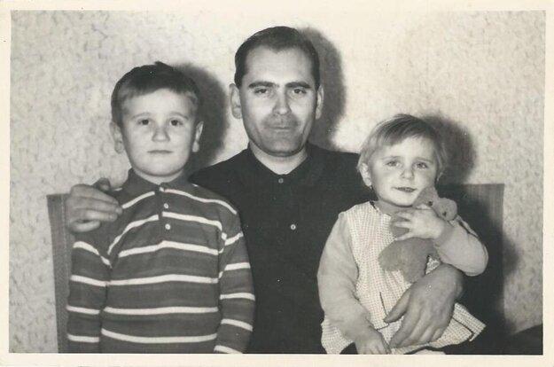 Danka Samuelová, jej otec a jej brat Duško, ktorý v septembri 2018 prehral boj s onkologickým ochorením