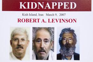 Bob Levinson na plagáte FBI.