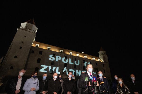Boris Kollár počas brífingu v rámci potlesku zdravotníkom a hasičom bojujúcim proti šíriacemu sa ochoreniu COVID-19. Bratislava, 27. marec 2020.