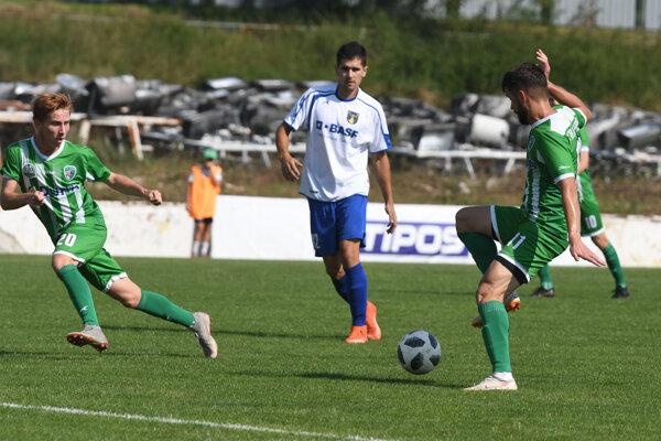Do jarnej časti III. ligy by zprvého miesta vstupoval Prešov. Veľké Revištia mali byť doma vSobranciach.
