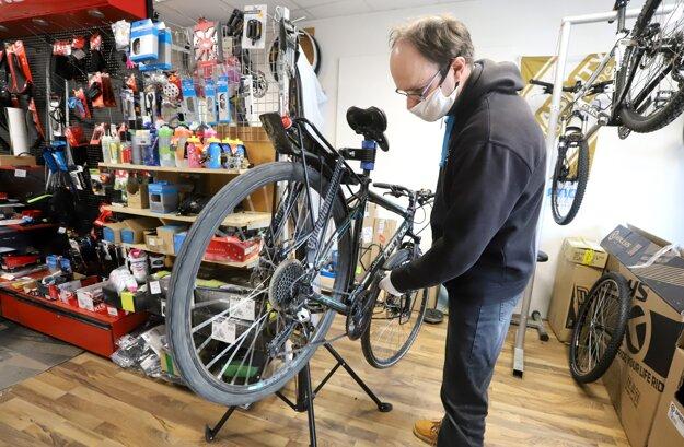 Otvorený servis a predaj bicyklov vo Zvolene.