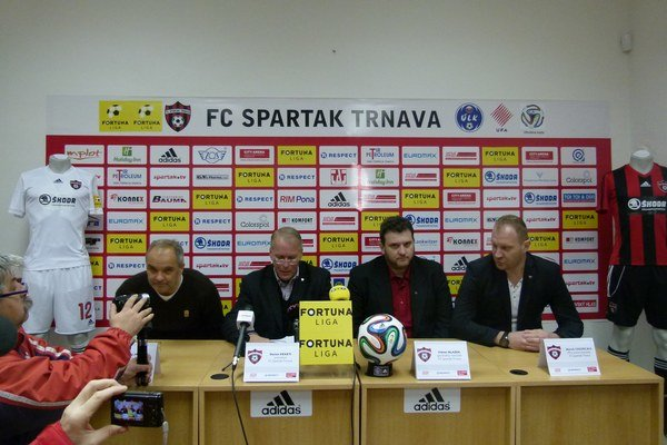 Na tlačovej konferencii predstavil Spartak nového generálneho manažéra Viktora Blažeka.