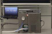 Takto vyzerá pľúcny ventilátor, ktorý pre španielske zdravotníctvo vyrába domáca automobilka Seat