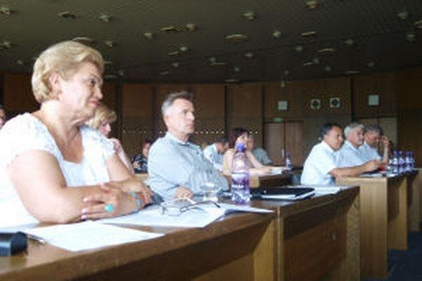 Po novom bude sťažnosti na poslancov, hlavného kontrolóra mesta a primátora riešiť osobitná komisia.