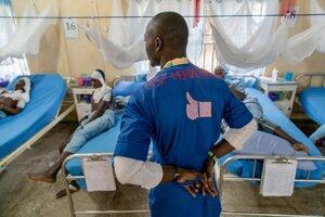 Adebowale Murtala je poradcom pre mentálne zdravie v v nemocnici v Sokoto. Stará sa o pacientov, chodí ich pravidelne kontrolovať a pomáha im bojovať s ochorením aj bolesťou.