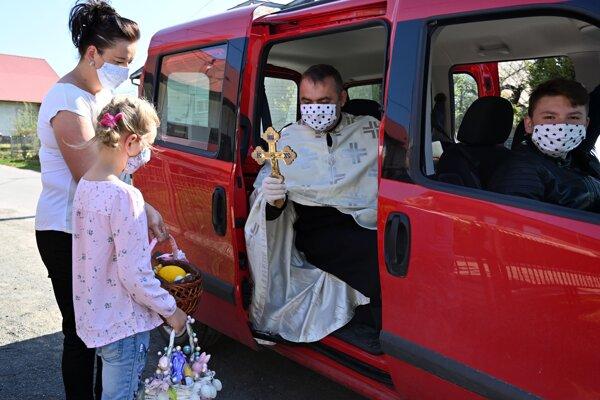 Svätenie jedla v Choňkovciach.