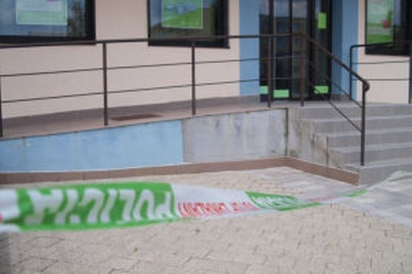 V Prima banke opäť ktosi nahlásil bombu.