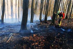 Foto z požiara 8. apríla.