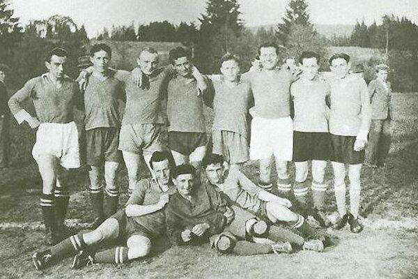 Futbal v Oravskom Veselom sa tešil od začiatku veľkej popularite.