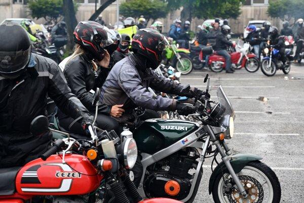 Prvomájová jazda motorkárov v Trebišove.