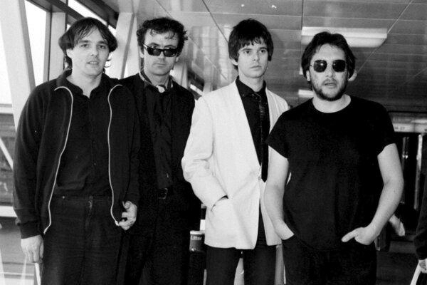 Členovia skupiny The Stranglers na snímke zo 6. júla 1980. Zľava Dave Greenfield, Hugh Cornwell, Jean-Jacques Burnel a Jet Black.