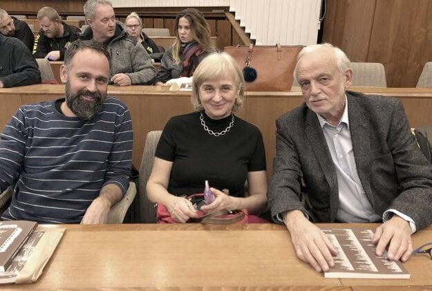 Jozef Hajdák s manželkou a synom.