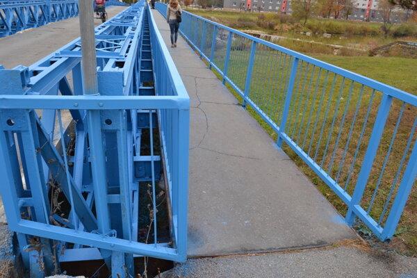 Modrý most cez Ladomirku.