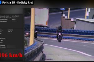 Motorkárov zaznamenala polícia na Sečovskej ceste.