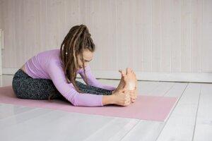 Zanedbávate strečing. Ukončenie cvičenia natiahnutím svalov a šliach je dôležitým bodom tréningu, ktorý by ste nemali vynechávať.