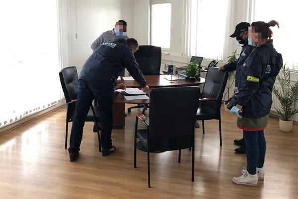 Polícia v kancelárii primátora Malaciek